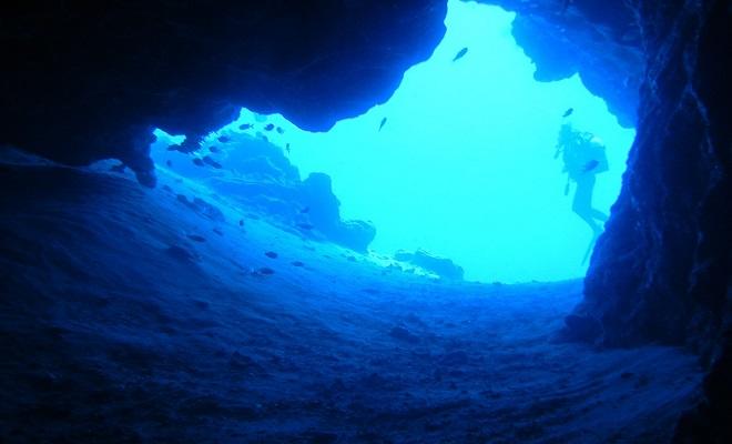 Niebieska jaskinia w Bisevo